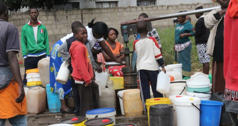Community-voices-on-the-water-situation-in-Mabvuku-064-820×436